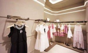 womens-dresses-and-shoes-e1529688747830.jpeg